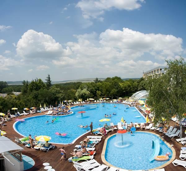 Ralitsa Superior Garden - piscina exterioara