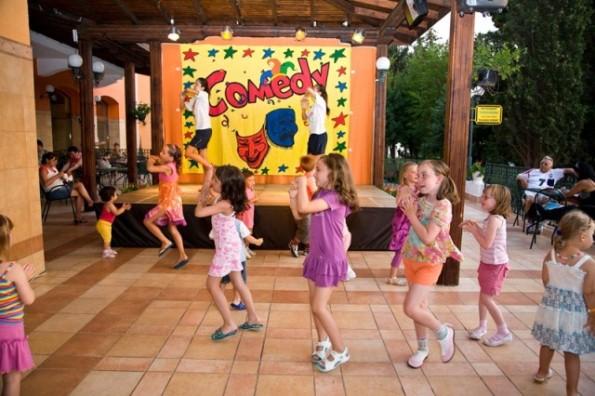 Hrizantema Hotel - Dicsoteca Copii