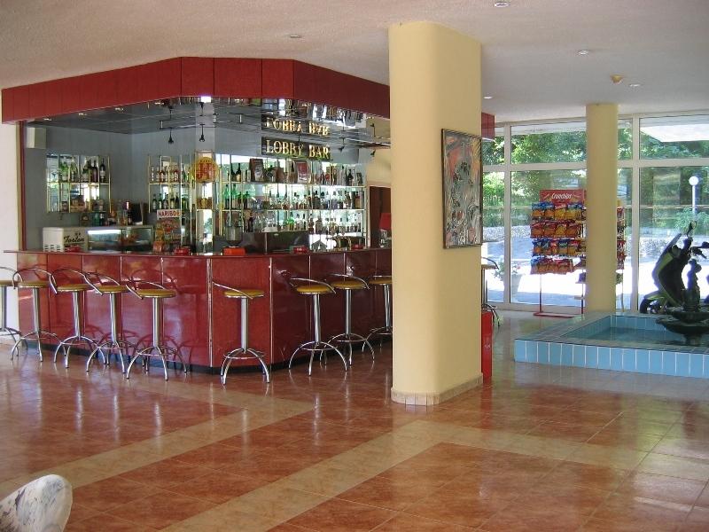 Perla - Lobby Bar