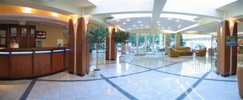 Laguna Garden - lobby