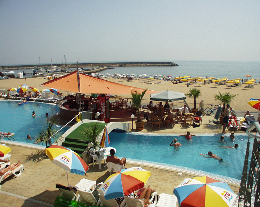 Berlin Golden Beach - Piscina exterioara & Bar la piscina