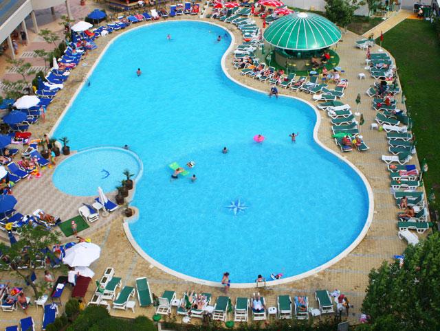 Bellevue Hotel - Piscina
