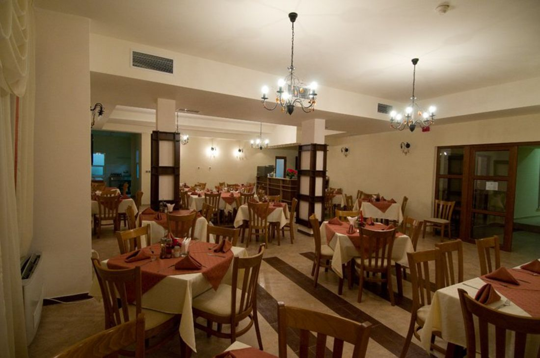 Evergreen - Restaurant