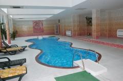 Hotel Planeta - Piscina interioara