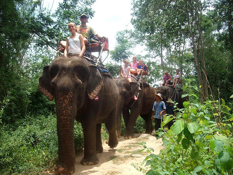Circuit Thailanda, calatorind in Tara Surasului
