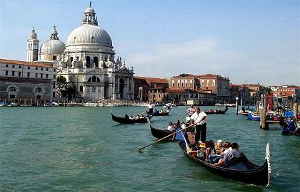 Apasati aici pentru cele mai bune tarife pentru Miracolul Venetian