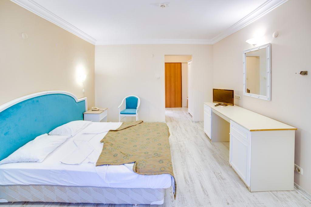 LA SANTA MARIA HOTEL  (EX LUANA SANTA MARIA)