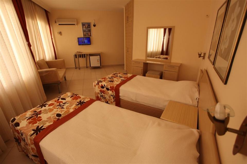 MALHUN HOTEL