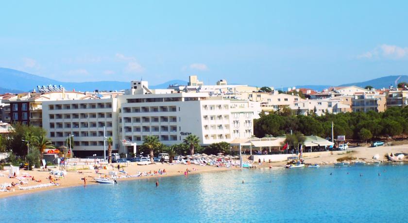 TUNTAS BEACH